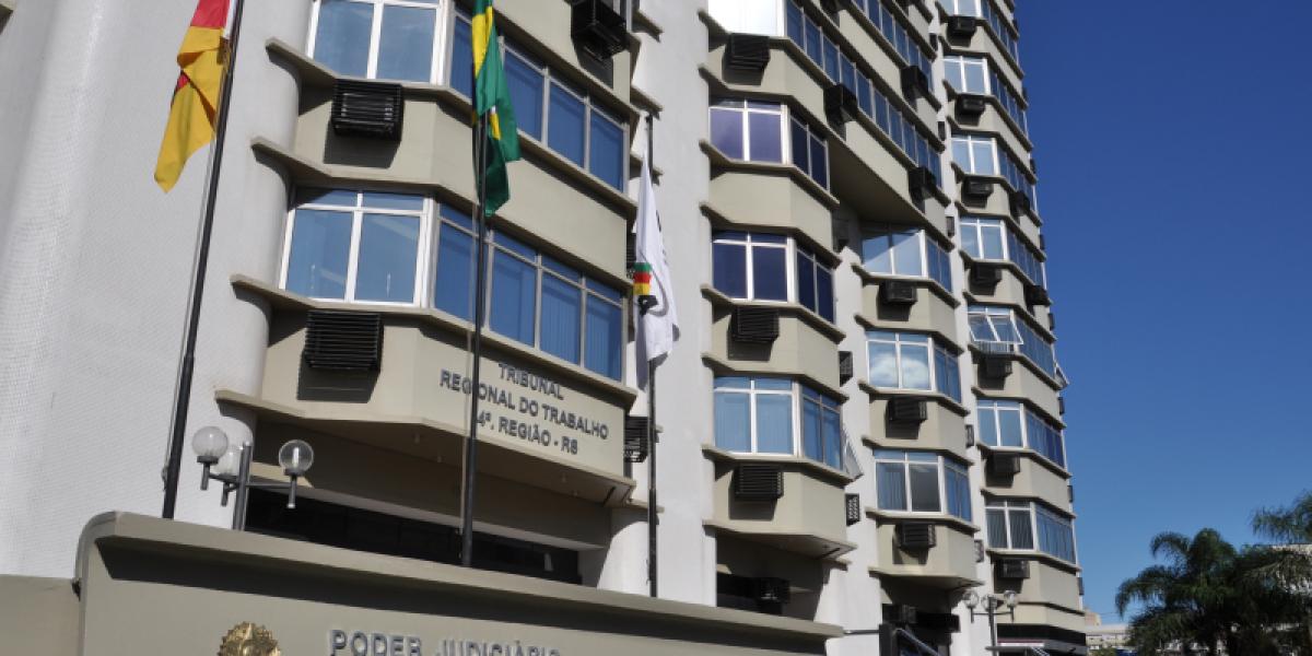 O Tribunal Regional do Trabalho da 4ª Região estuda retomar gradualmente as atividades presenciais