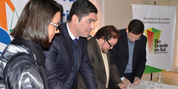 Aula de cidadania: TJC vai às escolas públicas do RS