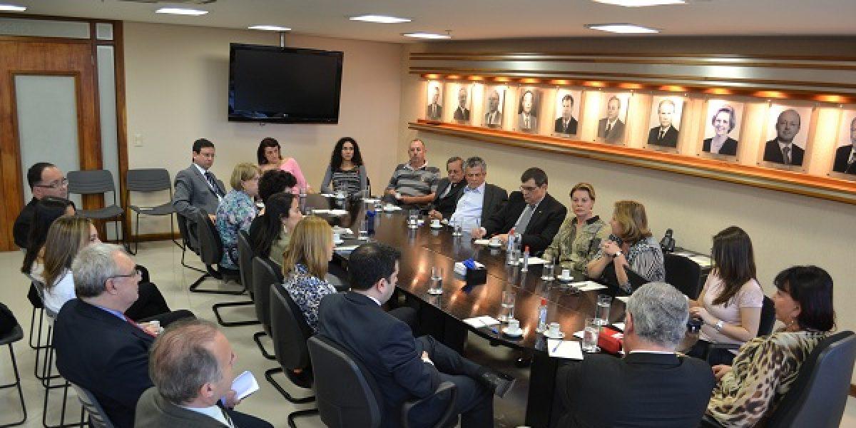 AMATRA IV participa da primeira reunião do Fórum de Relações Administrativas do Tribunal