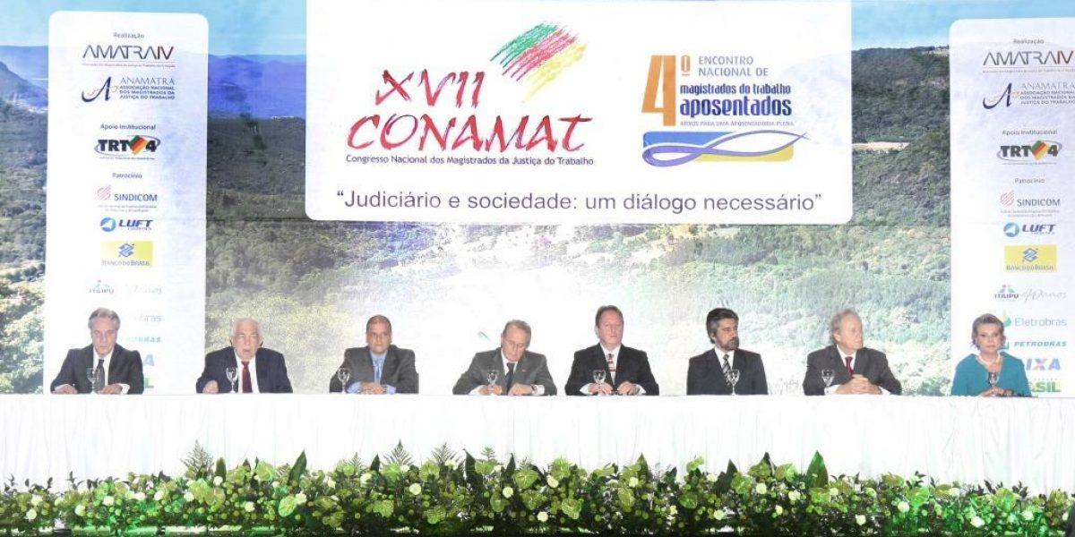 Democratização do Judiciário, terceirização e remuneração da magistratura foram assuntos abordados pelo presidente da AMATRA IV na abertura do 17º Conamat