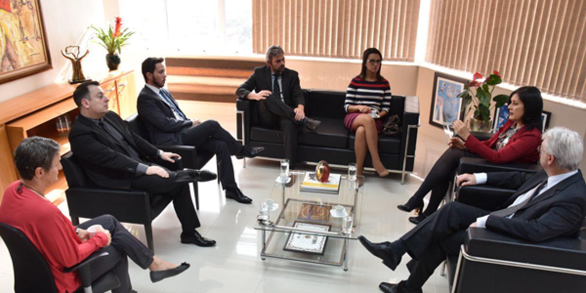 Presidência do TRT4 recebe visita da nova Administração da Amatra IV