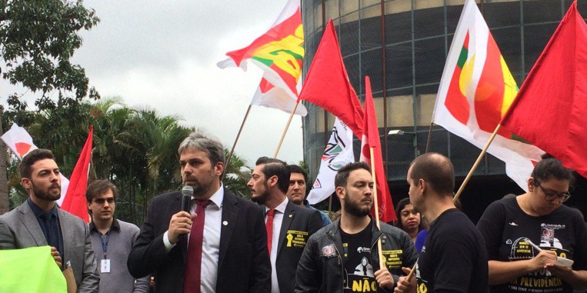 Ato contra a reforma trabalhista: AMATRA IV marca presença