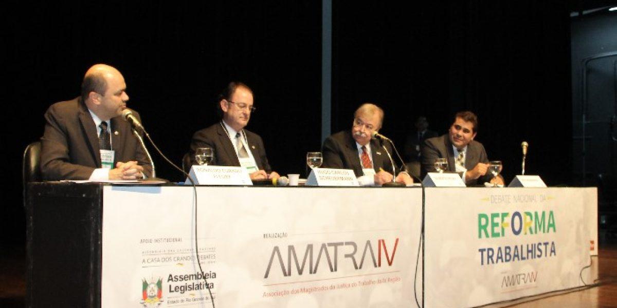 Discussão democrática sobre a reforma na parte final do evento