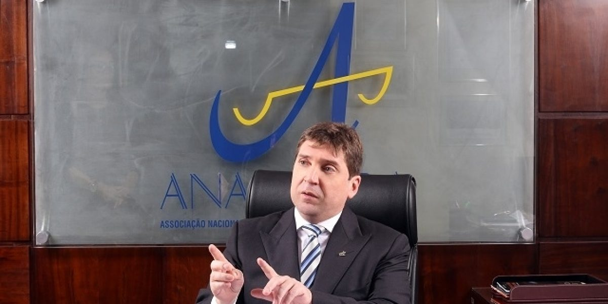 """Em artigo à Folha de S. Paulo, presidente da Anamatra critica as tentativas de """"chantagem"""" que atentam contra a separação de Poderes"""